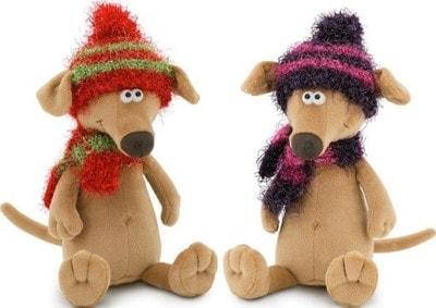 Іграшка М'яка, Собака-Чуча, шарфик та шапочка в'яз., червона з зеленим/фіолетова з рожевим. 42см, ORANGE Китай